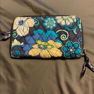 Vera Bradley Like New Navy Floral Wallet!